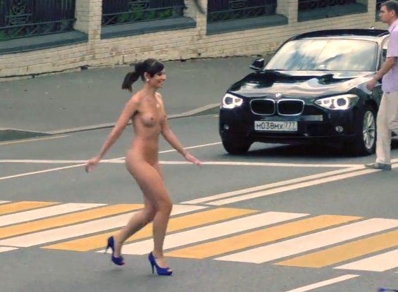 Imagen Jeny completamente desnuda en público