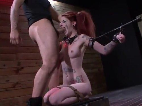 Imagen Pelirroja se inicia en el BDSM y flipa con la experiencia