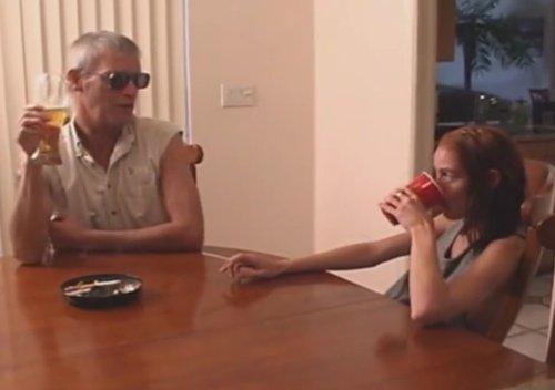 Imagen Niñera borracha follada por un viejo