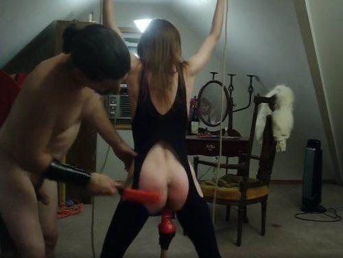 Imagen Poniendo rojo el culo de mi mujer