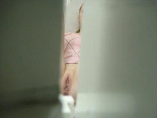 Imagen Pelirroja espiada en una clínica