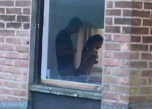 video relacionado Vecinos calientes pillados follando